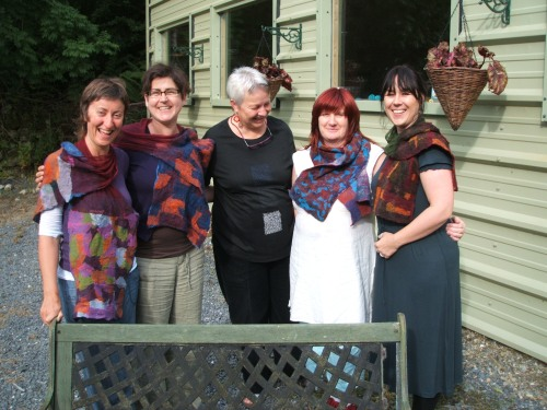 Liz, Dee, Linda, Sigrid, Anne and Linda with their great scarves! (from the left)