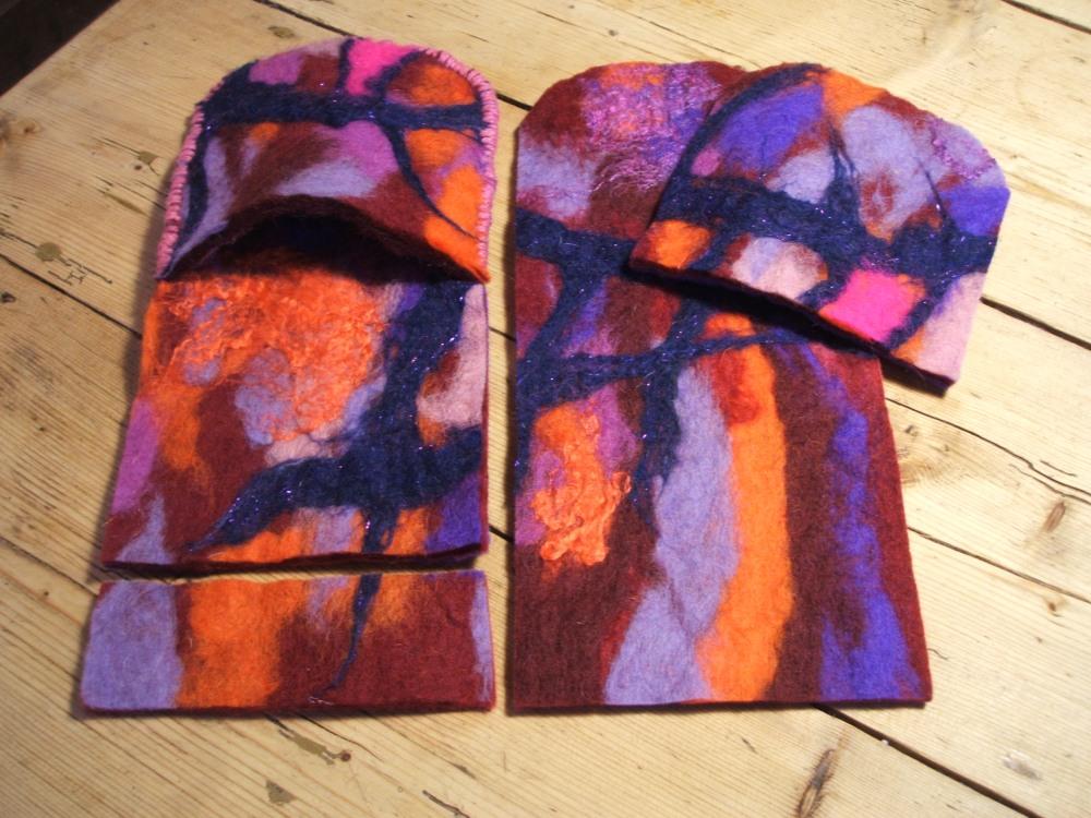 Variations on a felt slipper (another tutorial) and announcing felting workshop for Mullingar! (2/4)