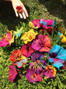 Gorgeous and colourful felt flowers felted during a previous workshop at the Kentucky Sheep and Fiber Festival!